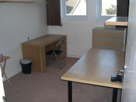 Private office for one person in North Finchley (N12 8RQ)