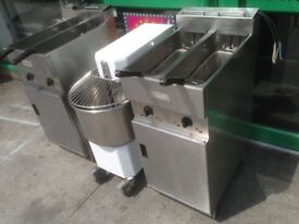 CATERING COMMERCIAL TWIN TANK VALENTINE FRYER CUISINE CAFE TAKE AWAY FAST FOOD CHICKEN FRYER CHIPS