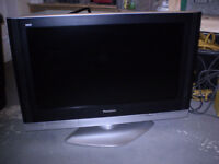 "Panasonic Viera 32"" LCD TV"