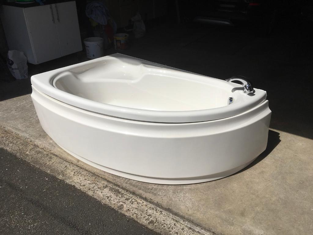 For sale a corner bath in excellent condition. | in Kirkcaldy, Fife ...