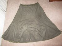 PER UNA SKIRT DARK GREEN FAUX SUEDE HIPPY BOHO PANELLED FULLY LINED SIZE 16