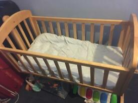 Mama's and Papa's Swinging Crib