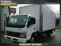 2010 Mitsubishi FUSO FE180 20 PIEDS, MONTE CHARGE