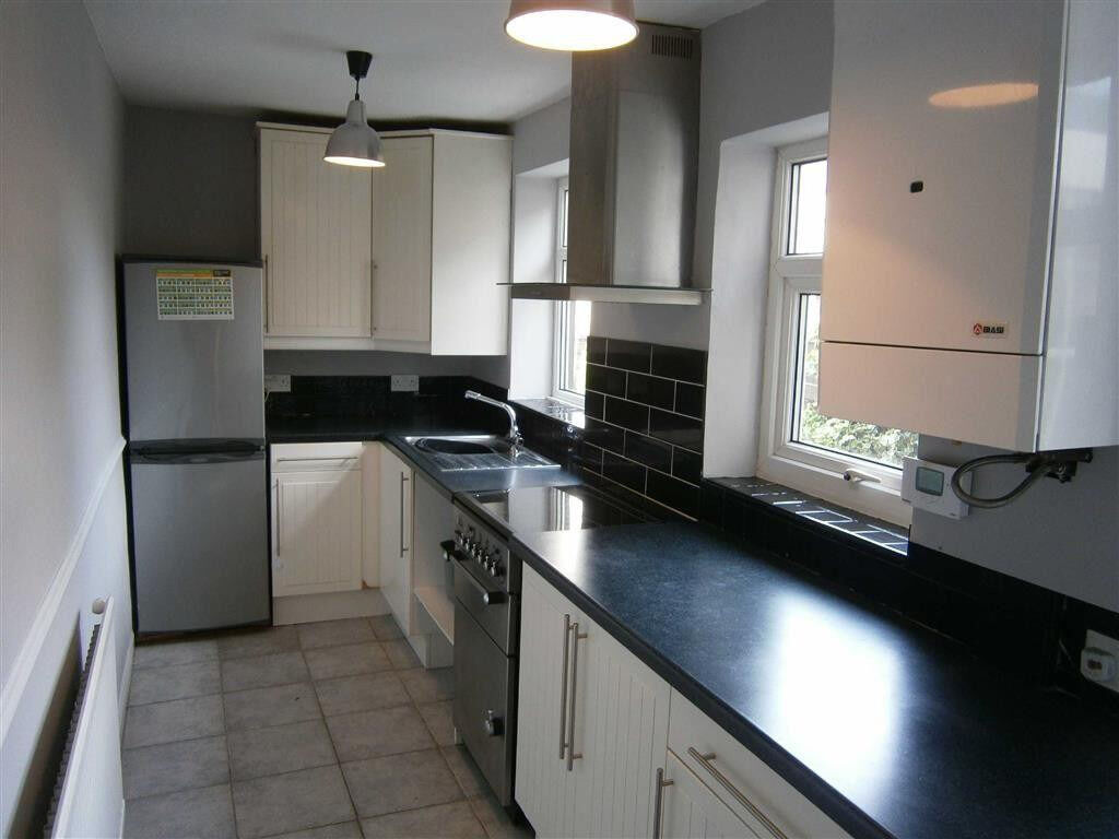 3 Bedroom house in Becontree part dss accepted with guarantor