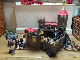 Play Mobil Lion Knights Castle. Excellent condition with lots of extras, great for Christmas