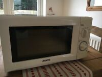 Microwave oven -£5 - collection Etchinghill