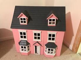 Pink dolls house. Good condition