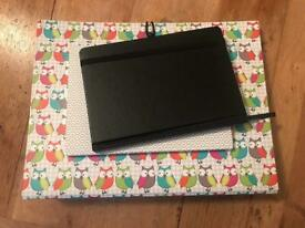 Stationary bundle: expanding folder and two notebooks