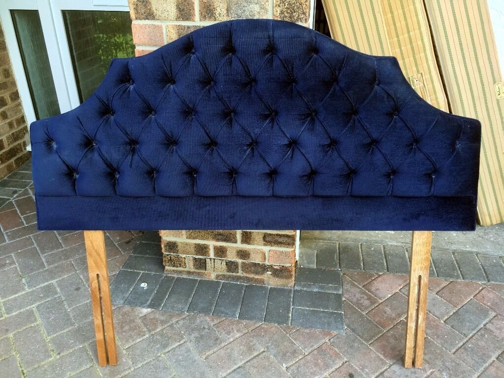 """Headboard for 4 6"""" Double Divan BedBluein Portishead, BristolGumtree - Headboard for 4 6"""" Double Divan Bed Blue in excellent condition I also have another Headboard and 2 Divan Beds for sale please see other listings"""