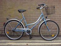 Ladies hybrid city bike