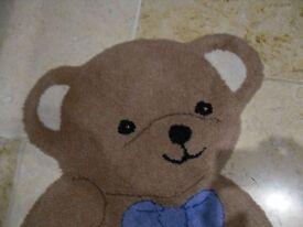 Cute Teddy bear rug for baby or toddler nursery, playroom or bedroom