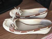 Women shoes size 5