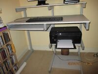 DESK/WORKTABLE/SUITABLE ALL SORTS