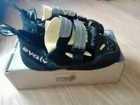 Evolv prime sc velcro 9.5 climbing shoes