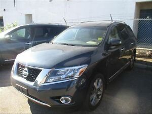 2013 Nissan Pathfinder Platinum | 4WD | NAV | Heated Seats