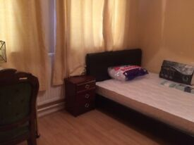BEAUTIFUL DOUBLE BEDROOM; LOCATED IN CAMBERWELL £600p/m