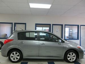 2012 Nissan Versa 1.8 SL MAGS TOIT OUVRANT BLUETHOOTH 96800 KM !