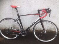 Giant Defy Road Bike. Men's red racing bike. Fully serviced, fully safe and ready to go.