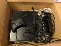 Xbox One with Kinnect and Controller