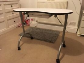 MANICURE NAIL ART TABLE