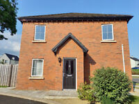 Spacious modern 2 bed property to rent in Antrim