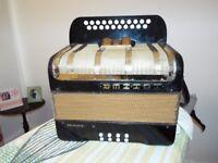 hohner primatona iv accordion quick sale !