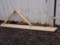 LEAN-TO WOODEN ROOF TRUSSES