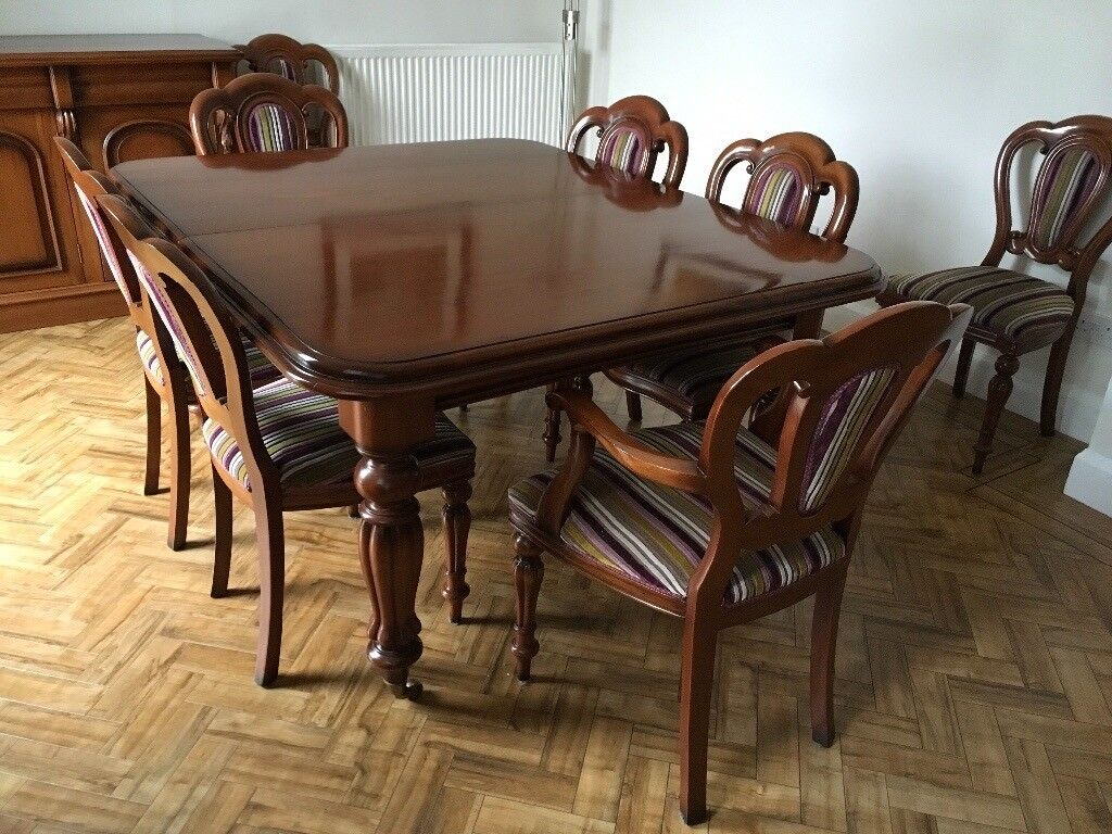 Victorian Style Solid Mahogany Dining Table Chairs And Sideboard