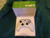 Xbox one white wireless controller,boxed as new perfect working order