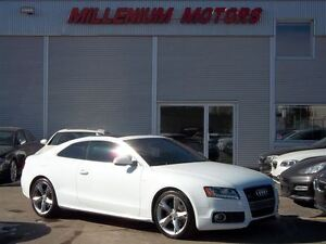 2010 Audi A5 2.0T S-LINE / 6-SPEED / LEATHER / SUNROOF