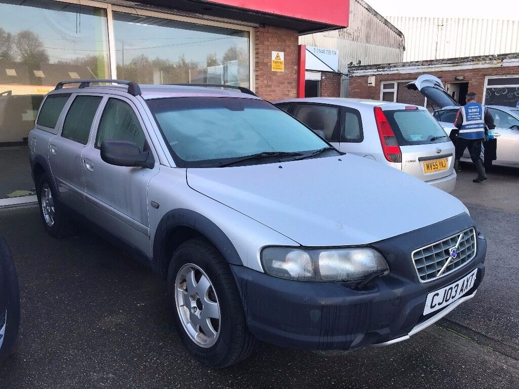 VOLVO XC70 D5 SE AWD GEARTRONIC 2.4 DIESEL IMMACULATE CONDITION