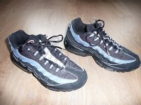 NIKE TRAINERS AIRMAX 95 SIZE 7 UK