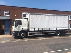 61, 2012 PLATE, 18 TONNE CURTAIN SIDER LORRY WITH SLEEP CAB & TAIL LIFT