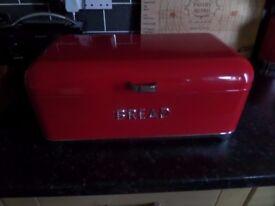 LOVELLO RED BREAD BIN