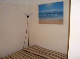 Lovely double room in Greenford