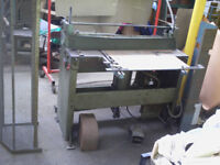 GUILLOTINE, used, AIR operated will work on suitable single phase compressor, cuts 1metre wide,