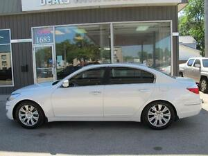 2011 Hyundai Genesis 4 door LUXURY SEDA N CLEARANCE $11,900