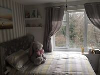2 bedroom house flat in quite sea mills /Coombs dingle area