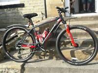 Saracen Tufftrax Comp Disc 29 Mountain Bike