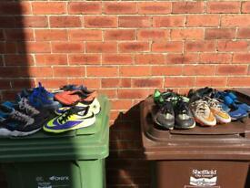 Trainers/football boots