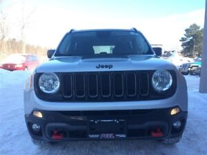 2015 Jeep Renegade Trailhawk**ROOF**REVERSE CAM**HTD SEATS/WHEEL