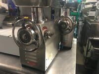 CATERING COMMERCIAL KITCHEN EQUIPMENT NEW MEAT MINCER GRINDER MACHINE CAFE KEBAB RESTAURANT SHOP