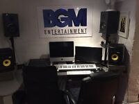 Songwriters/singers/producers wanted for songwriting camp in February