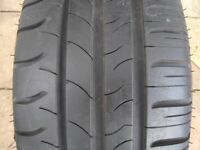 Michelin Energy Saver Tyre 215 x 60 x 16