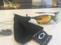 Oakley juliet sunglasses, excellent condition, hardly worn!