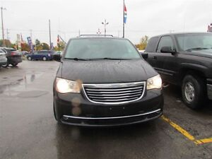 2015 Chrysler Town & Country Touring-L | CAM | LEATHER | REAR AI London Ontario image 2