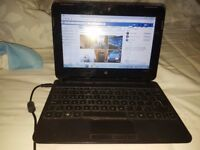 Small Compaq Laptop Windows 10 & webcam great for facebook or web sites Comes with a free case