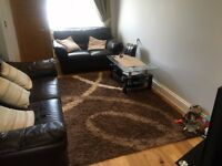AN IMMACULATE TWO DOUBLE BEDROOM END TERRACE HOUSE LOCATED CLOSE TO HEATHROW-COUPLES ONLY