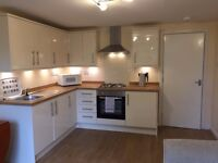 Cramond 2 bed flat in lovely landscaped developement