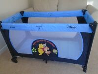 Hauck Disney Winnie the Pooh Dream and Play Travel Cot